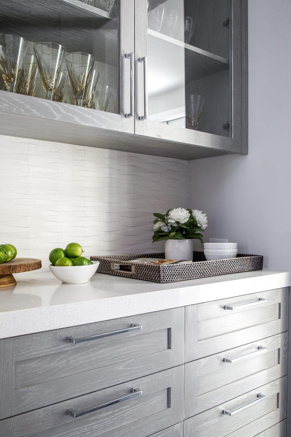10 Cosmetic Changes To Sell Your Home Fast Hgtv Modern Kitchen Cabinet Design Kitchen Cabinets Repainting Kitchen Cabinets