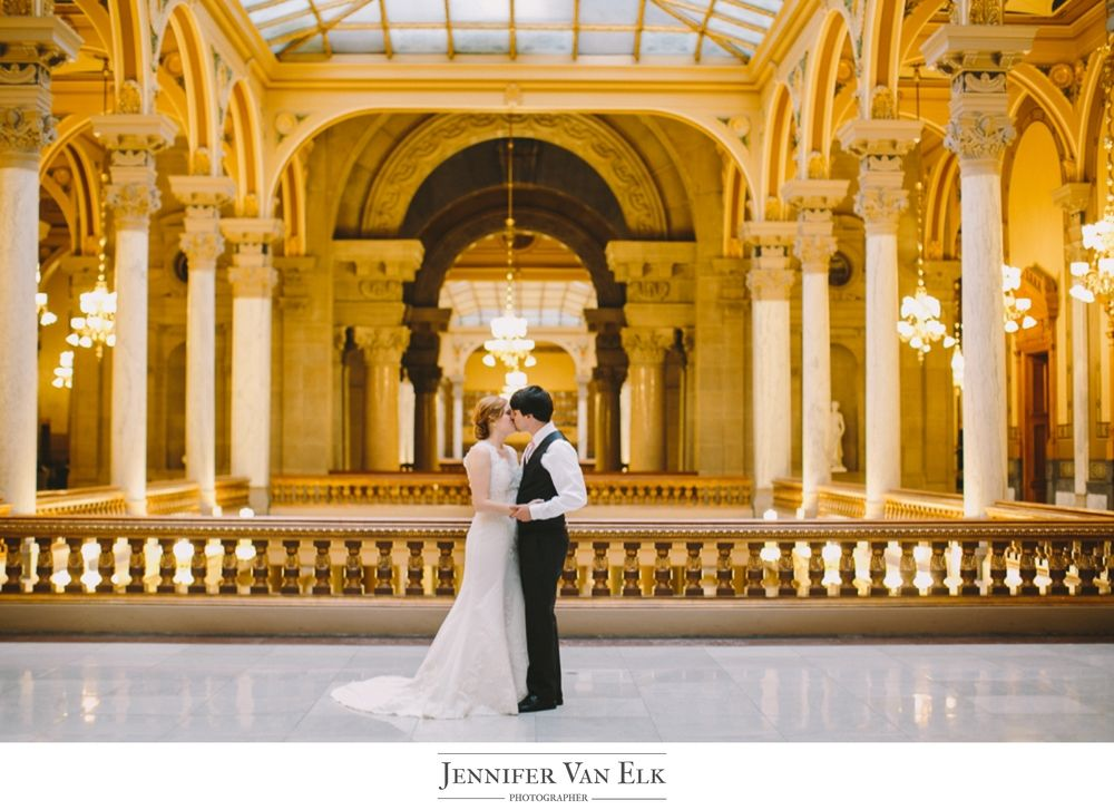 Statehouse Wedding In Indianapolis