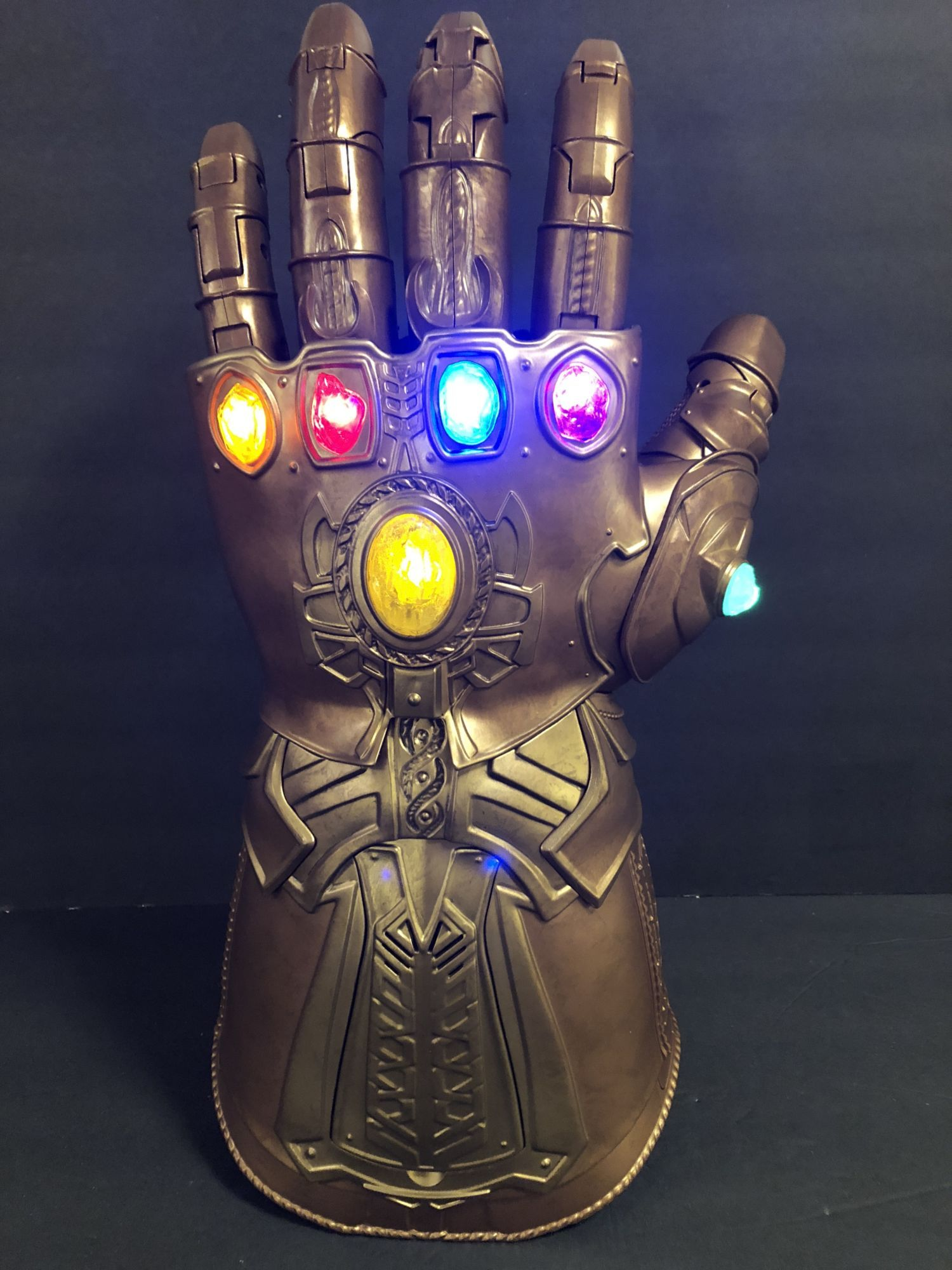 NEW NO PACKAGE Marvel Infinity guerre THANOS INFINITY GAUNTLET électronique Fist