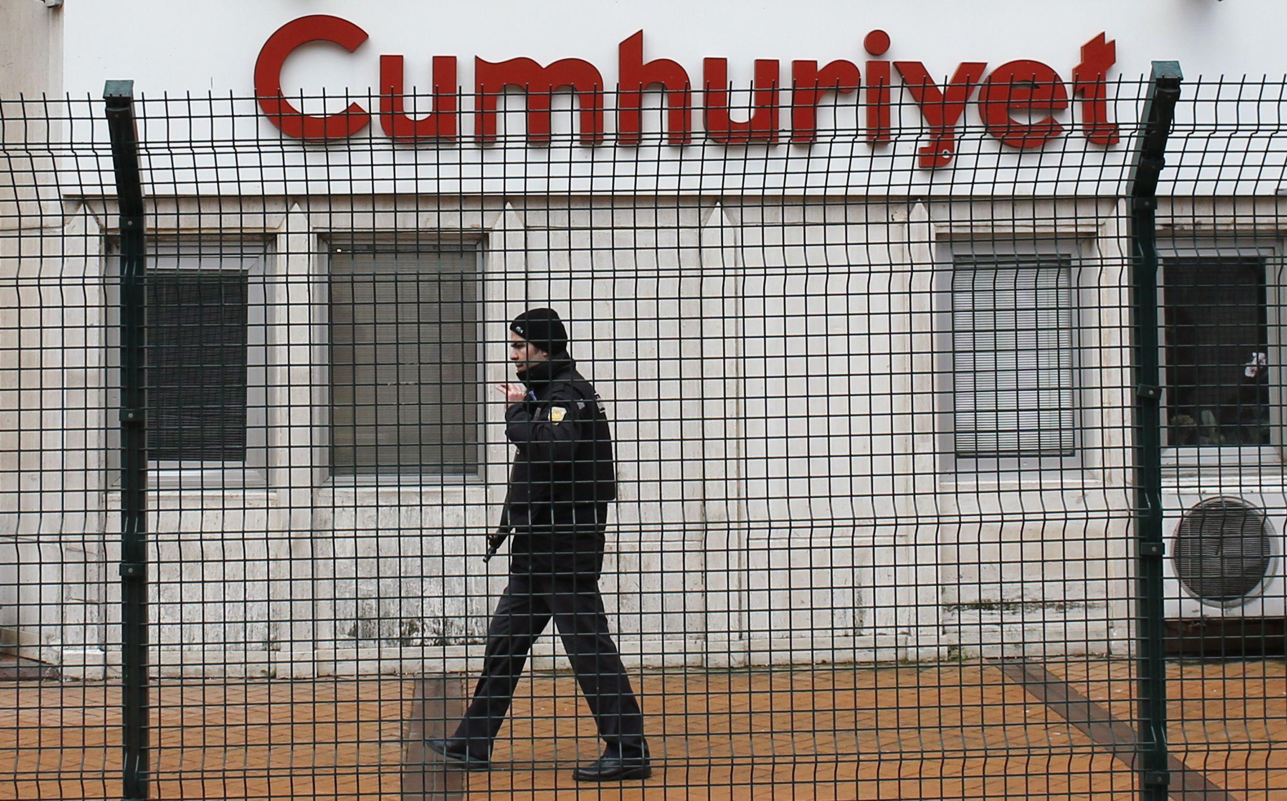 Turkey Investigating Newspaper for Publishing Charlie Hebdo Cartoon
