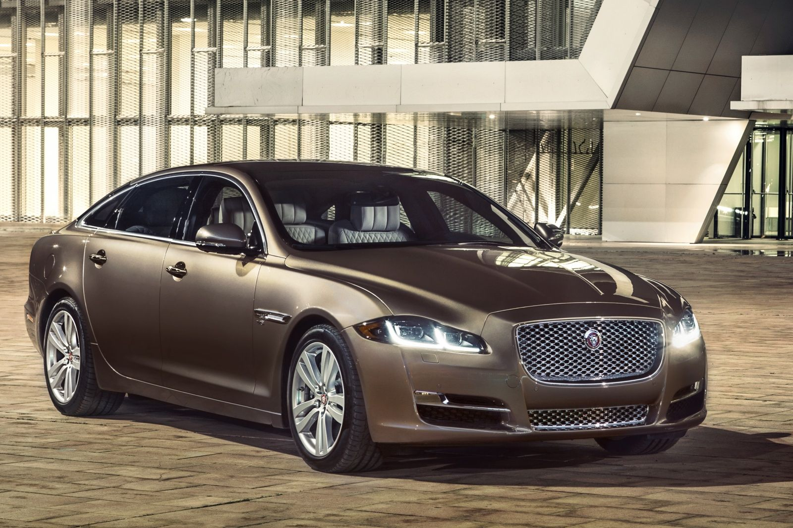 2016 Jaguar Xj Is More Desirable Than Ever Jaguar Xj Jaguar Car