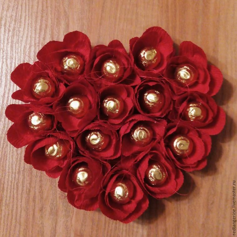 Corazon Con Rosas Y Chocolates Manualidades Rosas Con Papel