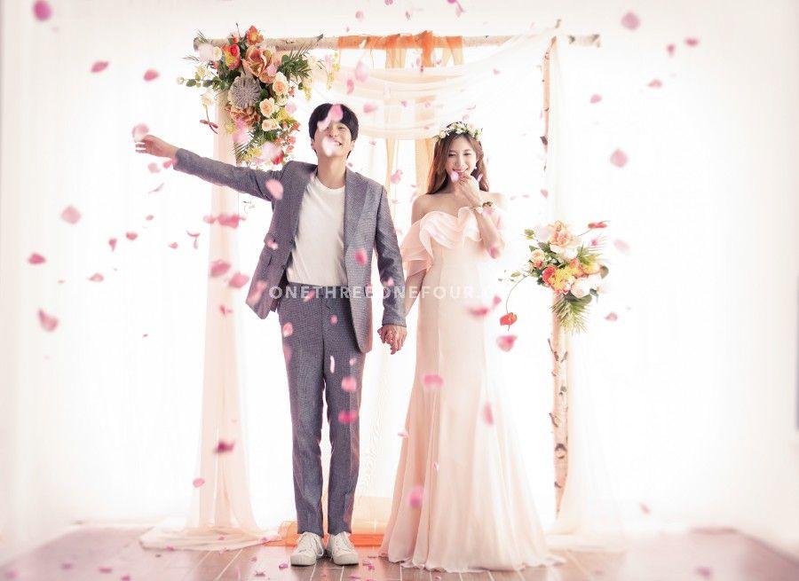 Gravity Studio Seoul Wedding Photographer Onethreeonefour Wedding Photos Wedding Photoshoot Cheap Wedding Photographers