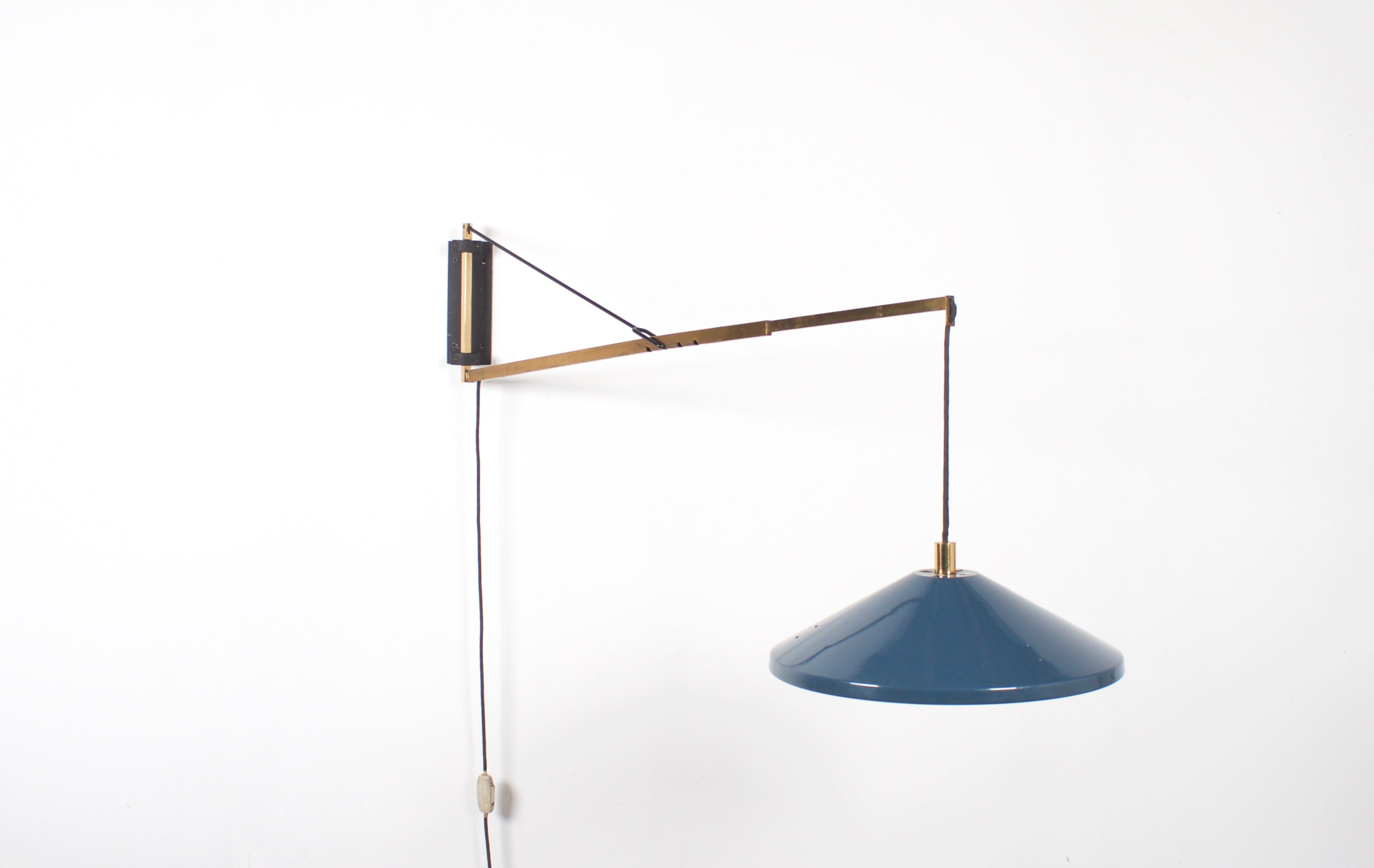 Very Rare Adjustable Stilnovo Wall Lamp Made in Italy – Cadmium