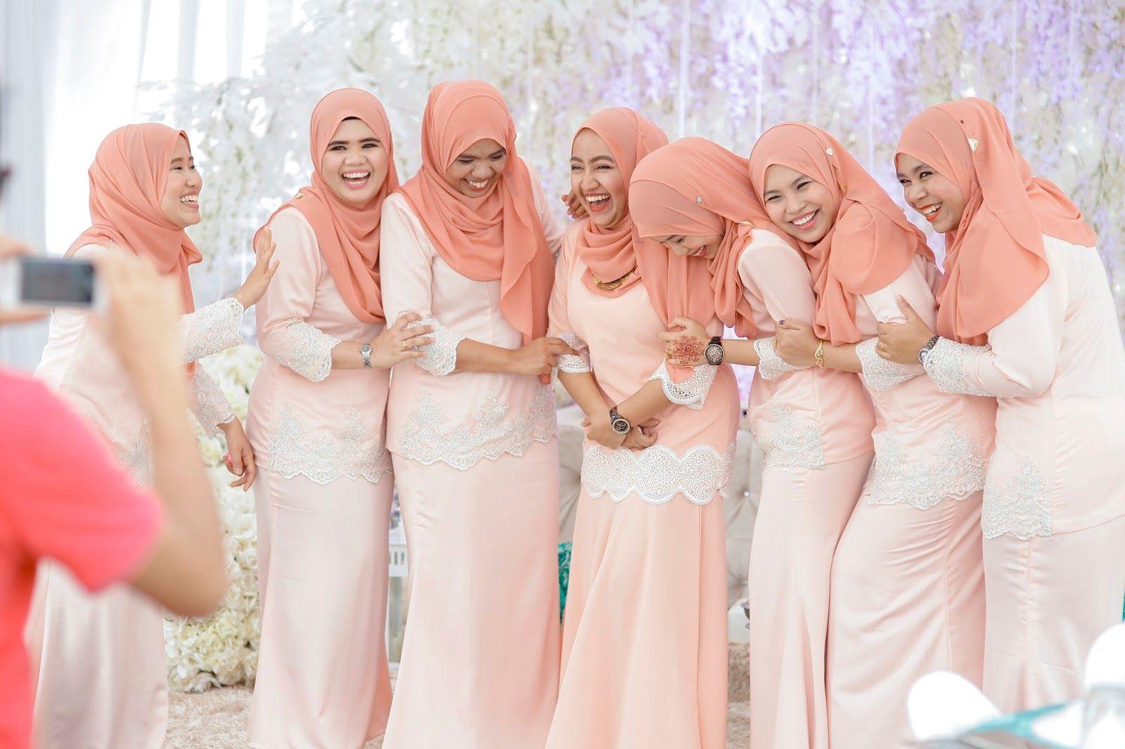 92 Contoh Baju Bridesmaid Fashion Paling Keren