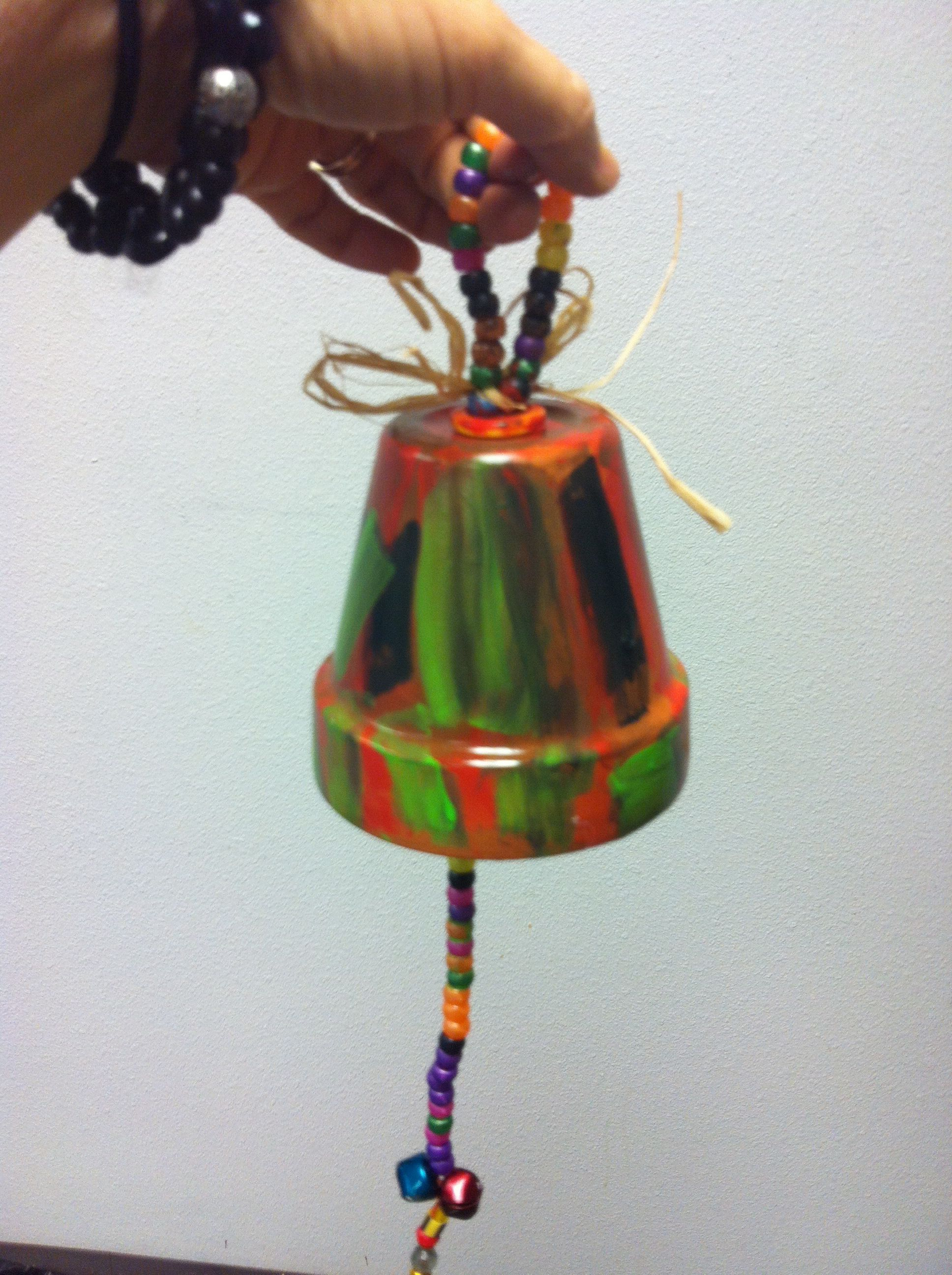 Wind chime made with a terra cotta pot too cuuute for Terracotta wind chimes
