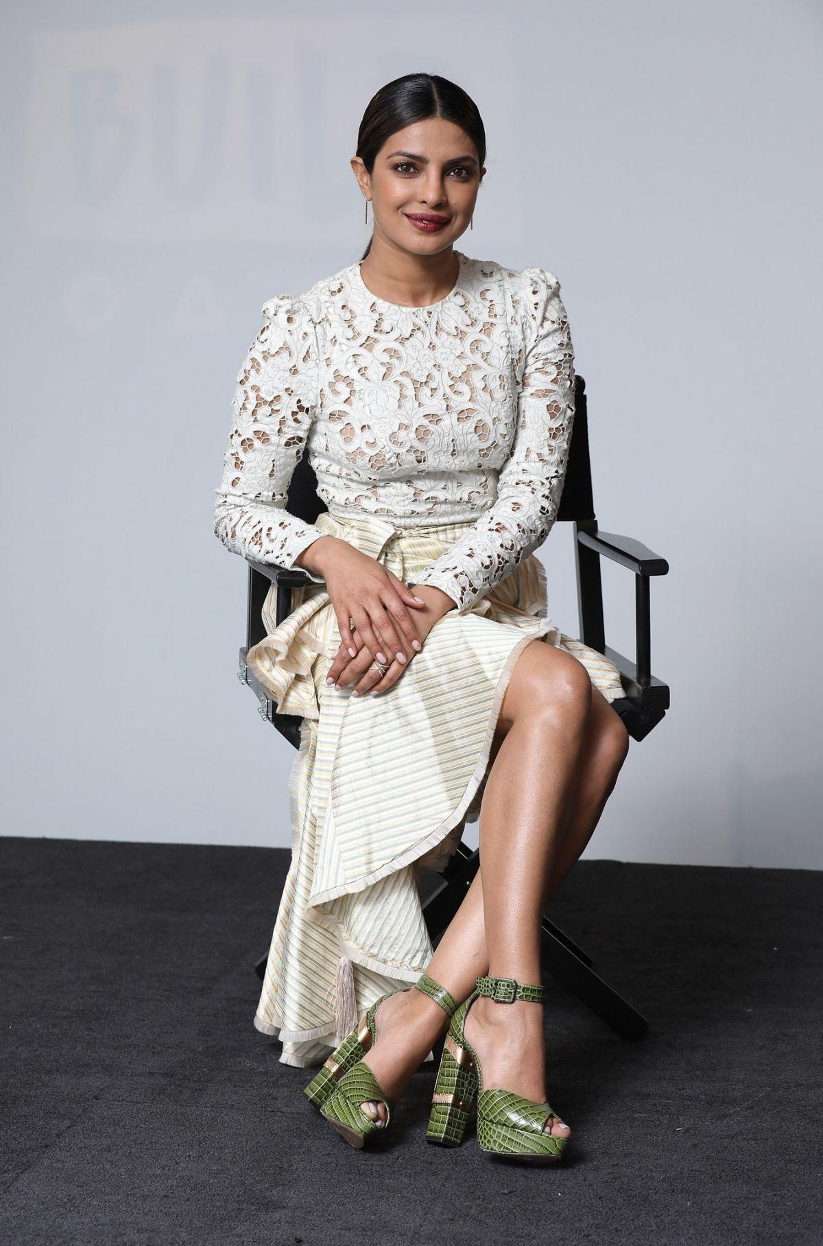 Fucked priyanka chopra by her legs — photo 12