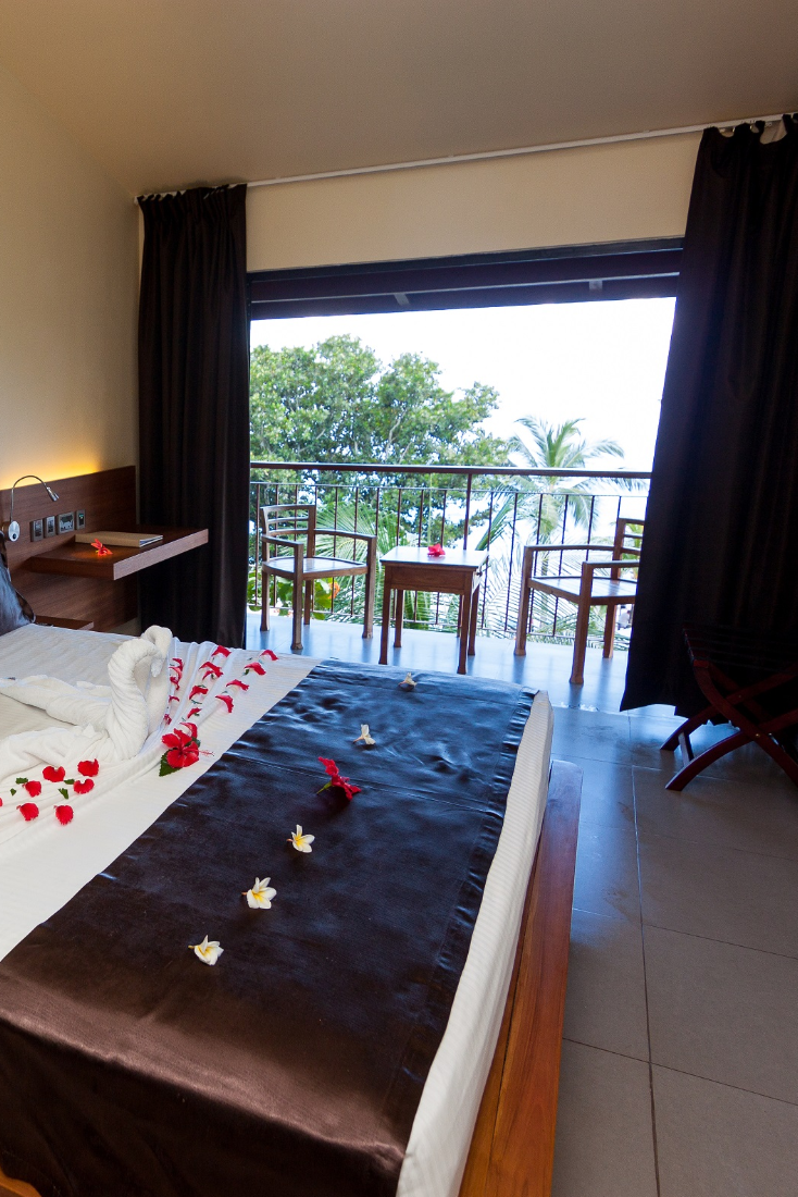 Room For Couples In 2020 Couple Room Room Hotel Sites