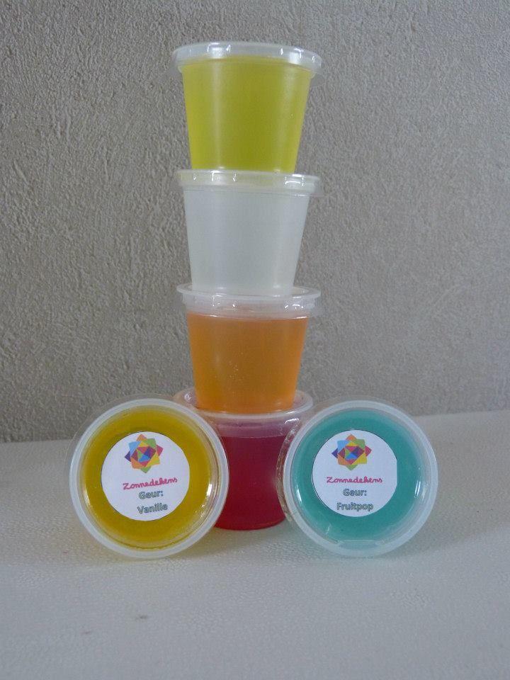 Luchtverfrisser gel - heel makkelijk en leuk om zelf te maken. In alle geuren en kleuren ...