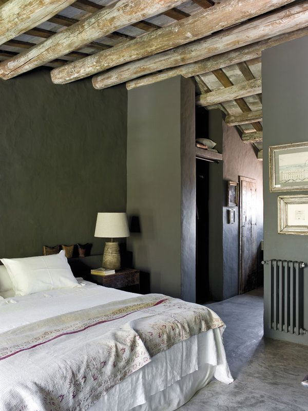 Fascinating farmhouse restoration with beautiful details in Spain