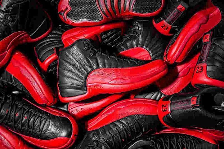 Would you rock these or naw? 👀🔥 . . . #shoes #shoe #kicks #instashoes #instakicks #sneakers #sneaker #sneakerhead #soleonfire #nicekicks #sneakerfreak #sneakerporn #shoeporn #fashion #swag #instagood #fresh #photooftheday #nike #sneakerholics #sneakerfiend #shoegasm #kickstagram #walklikeus #peepmysneaks #flykicks