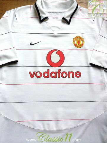 bc6b8a2ad Relive Manchester United s 2003 2004 season with this vintage Nike 3rd kit  football shirt.