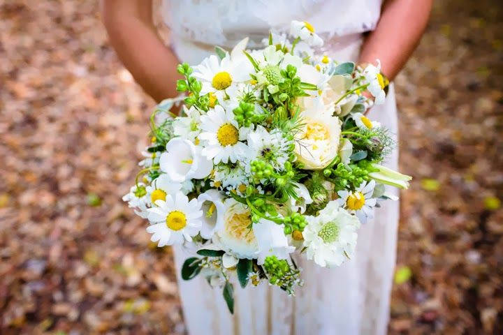 If you love yellow, you will LOVE this wedding!