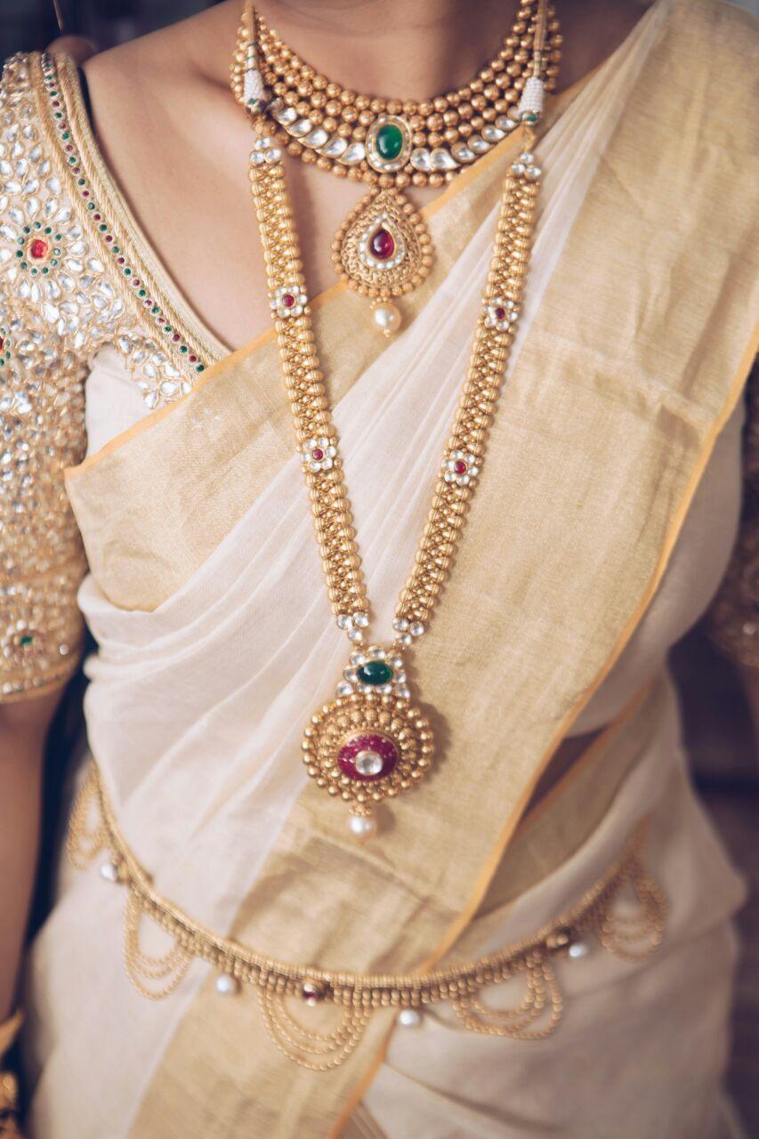 Jewellery from Malabar Gold. Settu Saree from Kasavukada ...