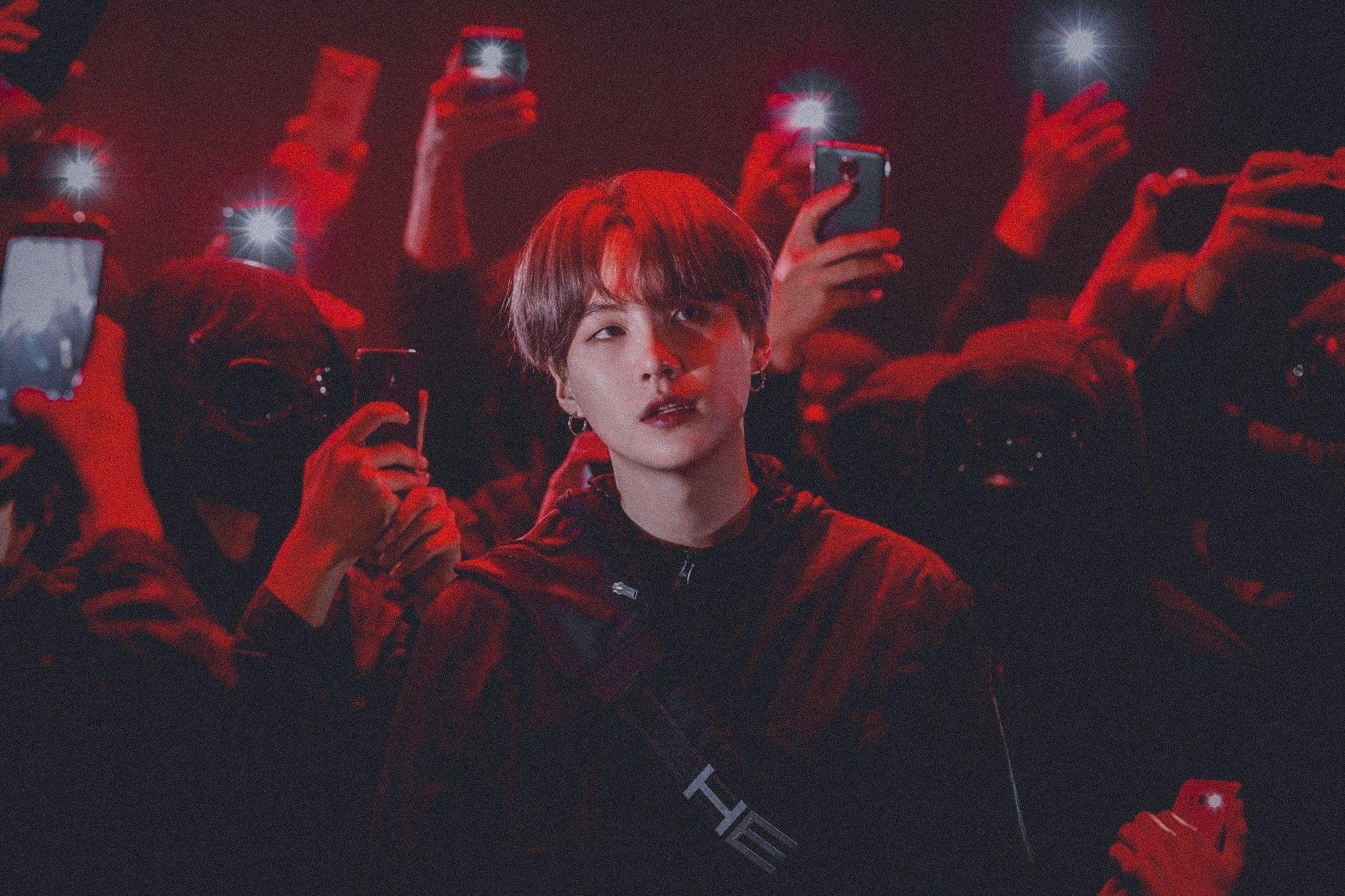 𝒀𝒐𝒐𝒏𝒈𝒊 (𝑩𝑻𝑺) in 2020 Dark aesthetic, Red aesthetic, Yoongi