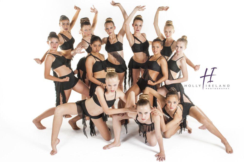 позы для фотографии танцевальным коллективом менее, сердцем