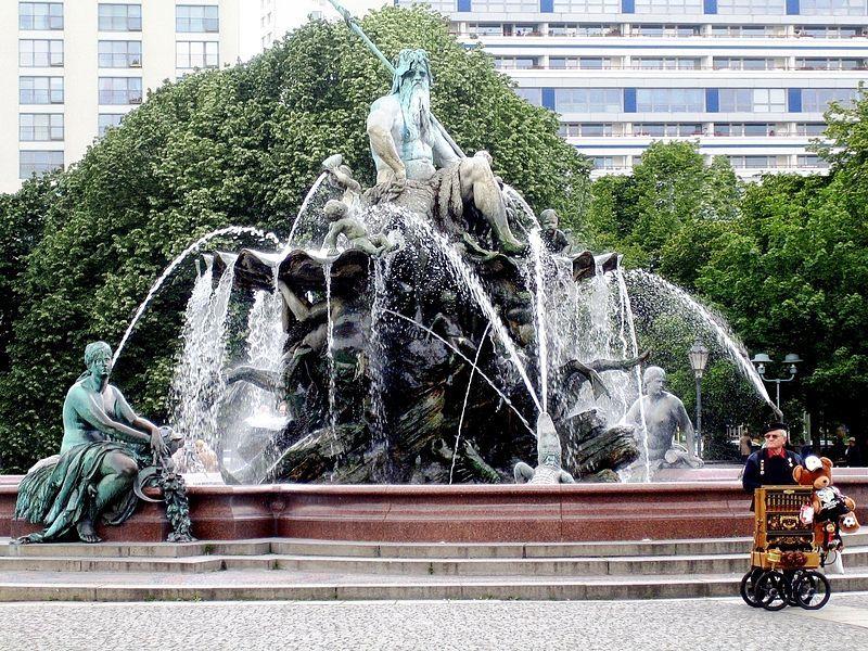 Famosas Fuentes del mundo - Fuente de Neptuno-Berlín-Alemania