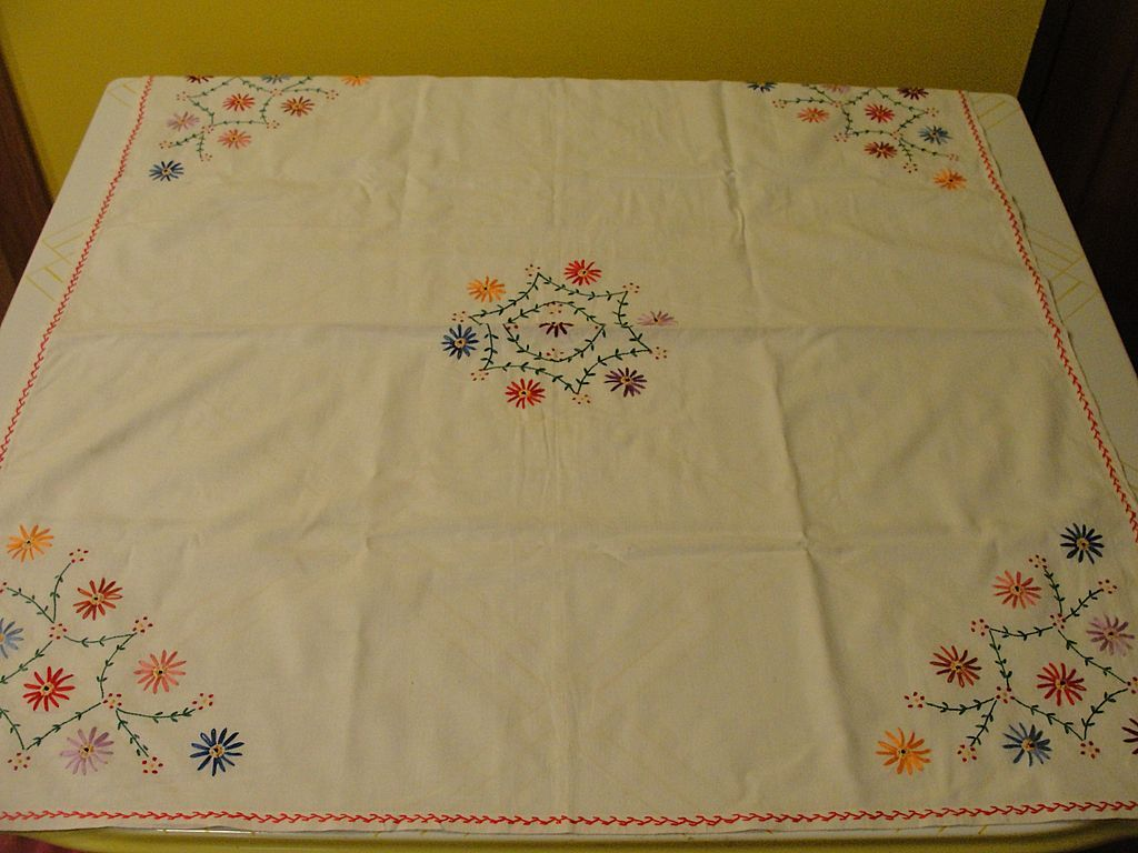 Daisies Around Embroidered Tablecloth