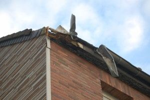 M C Apple Creek Roofing Services Is The Professional Roofer And Provides Reliable Services For People In Apple Creek O Roofing Services Roofing Gutter Repair