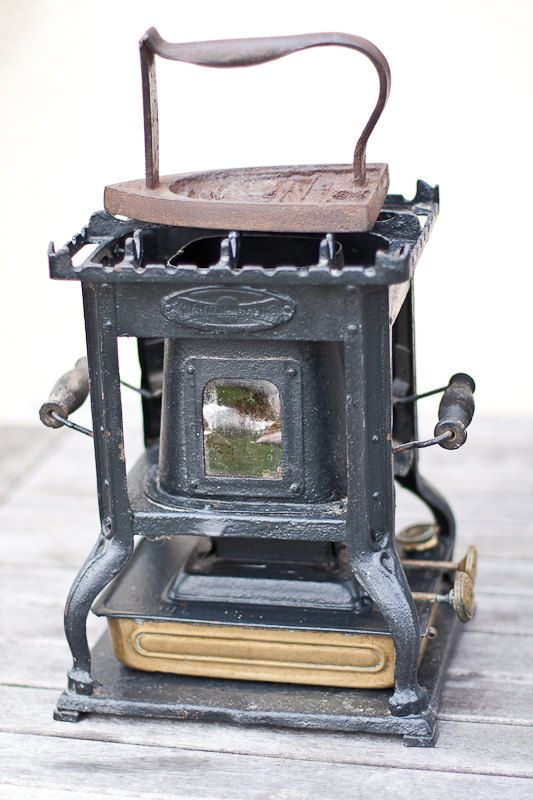Provided Antique Bless Drake Cast Iron Sad Iron Trivet Early 1900s Primitive B&d Rustic Trivets