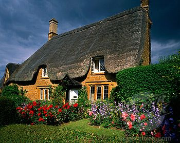 England Oxfordshire Great Tew Cottages Thatched Cottage In Summer Stock Photo 1885 20261 Superstock Thatched Cottage Cottage Cottage Homes