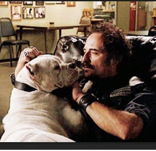 Sons Of Anarchy Tig With Saved Dog Sons Of Anarchy Sons Of Anarchy Samcro Anarchy