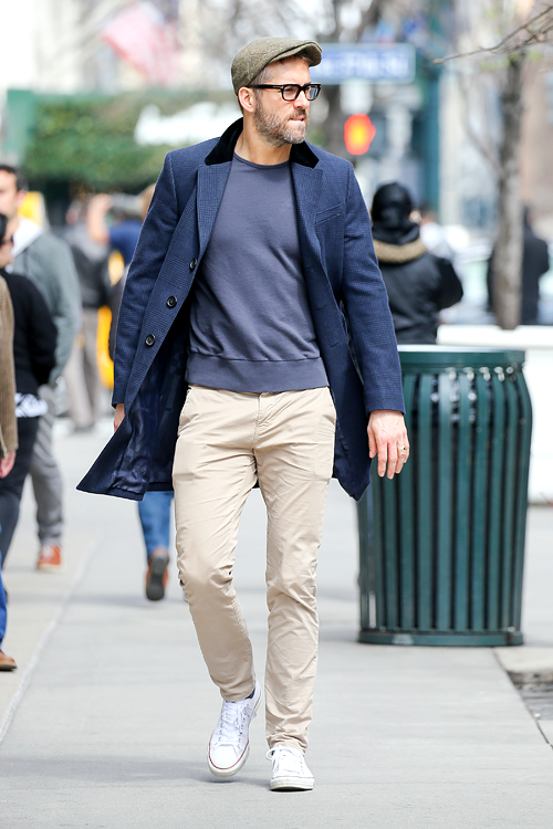 "94675e6e7a57 mcavoys  "" Ryan Reynolds spotted in New York on March 18"