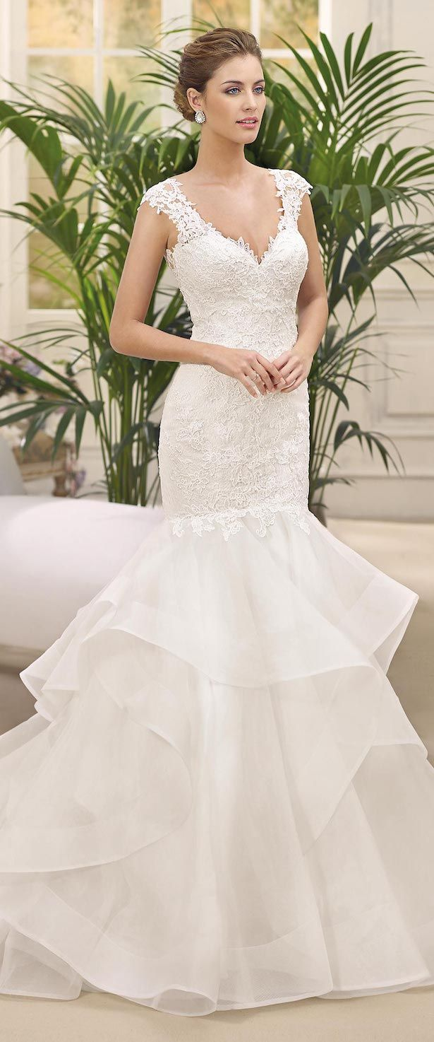 V-neck lace fitted Wedding Dress with ruffled skirt by Fara Sposa 2017 Bridal Collection