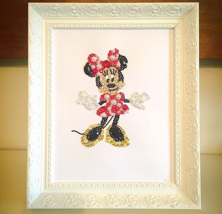 Minnie Mouse Disney Decoration. Button Swarovski crystal frame ...