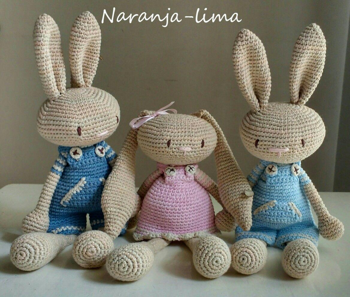 d371cf18c Conejos amigurumi (patrón de Creativa Atelier) | muñecos | Amigurumi ...