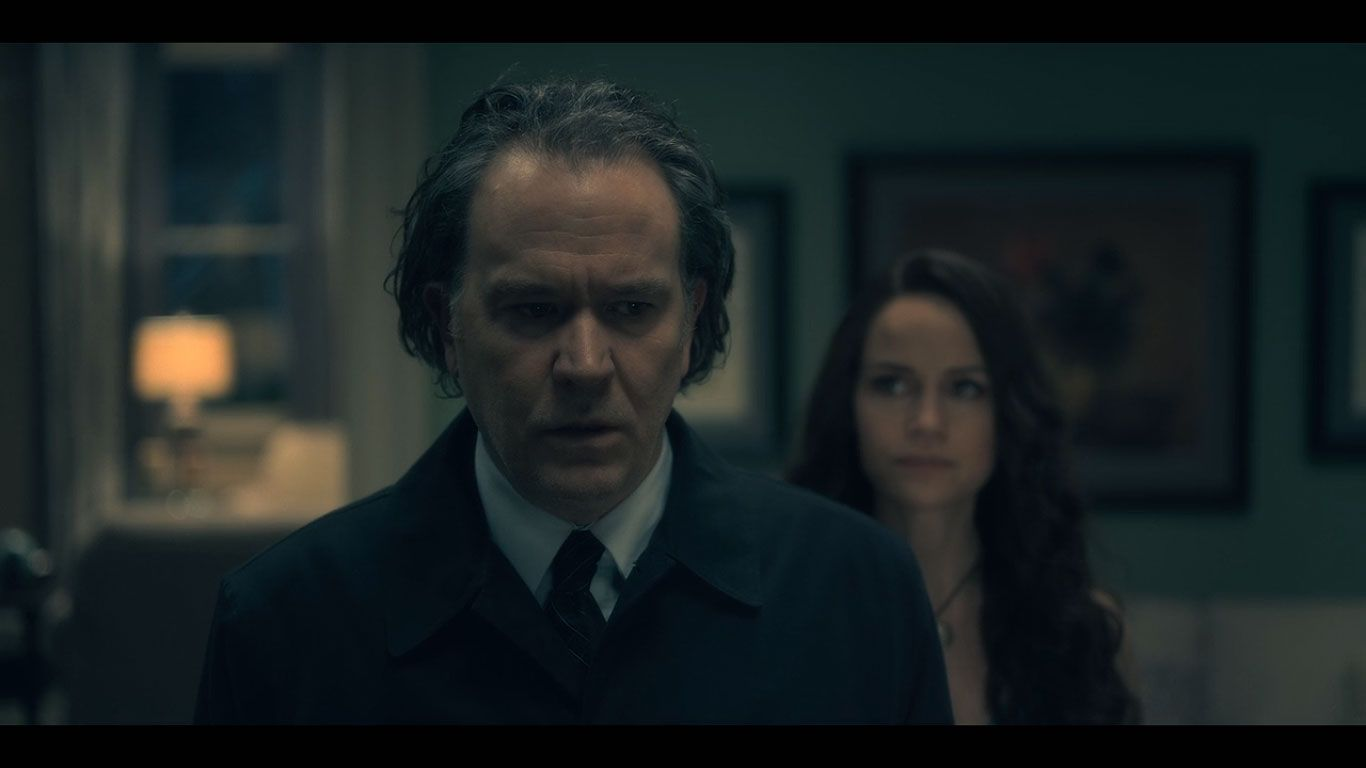 Timothy Hutton As Hugh Crain Michiel Huisman As Steven Crain Season 1 Episode 8 Of The Haunting Of Hill House Sou House On A Hill Timothy Hutton Haunting