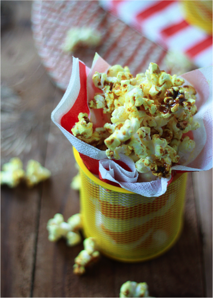 This Y Curry Popcorn Recipe Is Just Dying To Be Paired With Our Chili Jalapeno Cheddar