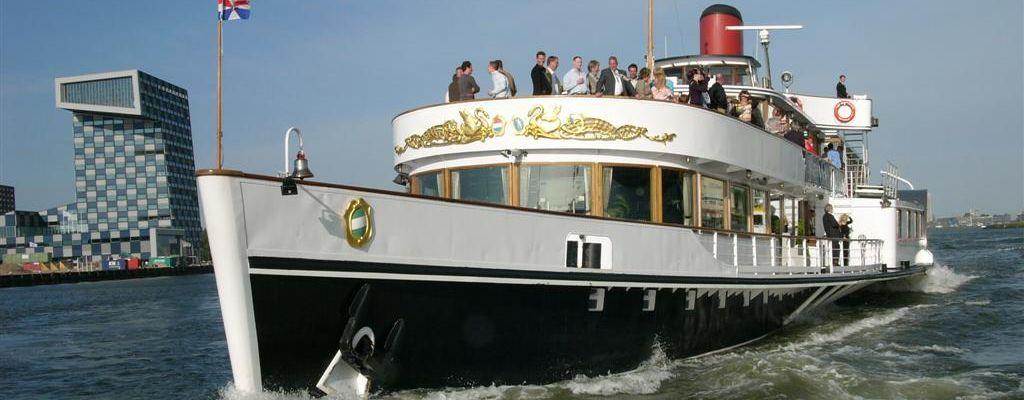 Ga tijdens de Wereldhavendagen in Rotterdam er een dagje op uit met de Raderstoomboot 'De Majesteit'