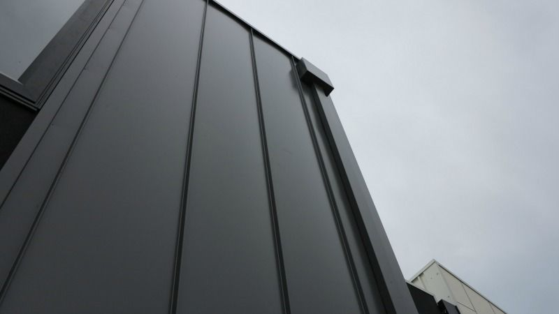 New Colorbond Colour Used In Residential Project True Blue Roofing Wall Cladding Cladding Roofing