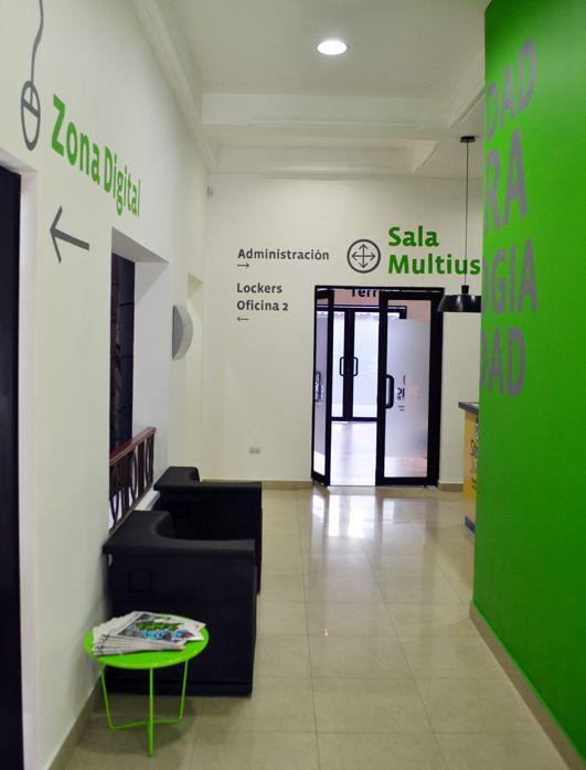 Se aletica espacio santiago joven maa arquitectura for Oficina agil bankia