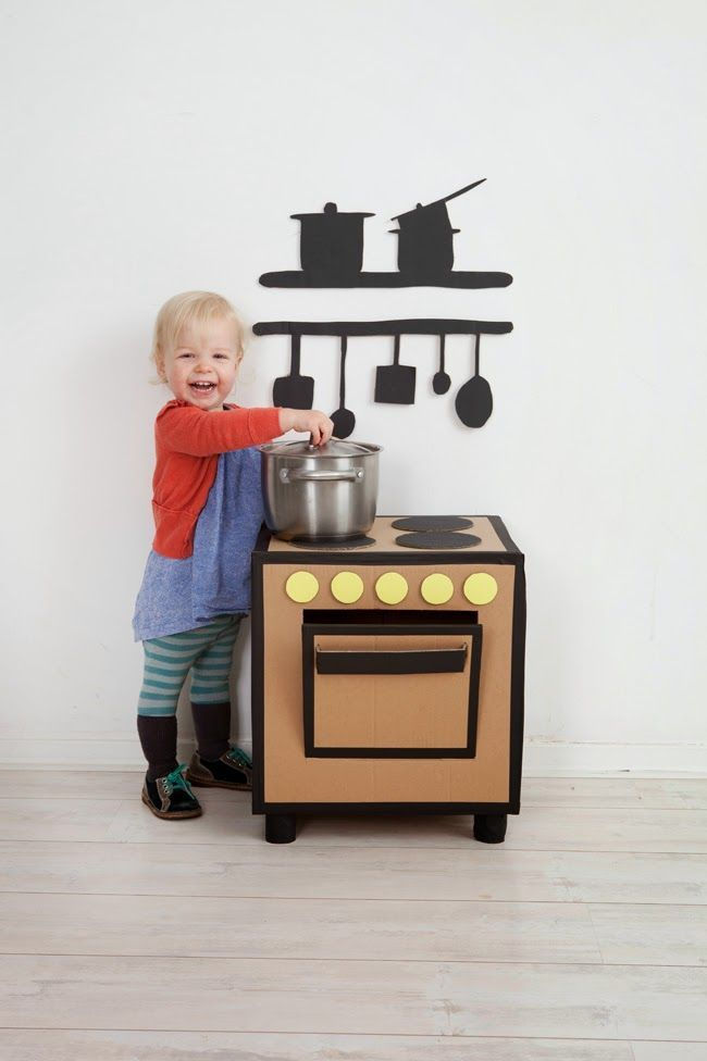 mommo design: RECYCLE AND PLAY - Cardboard kitchen