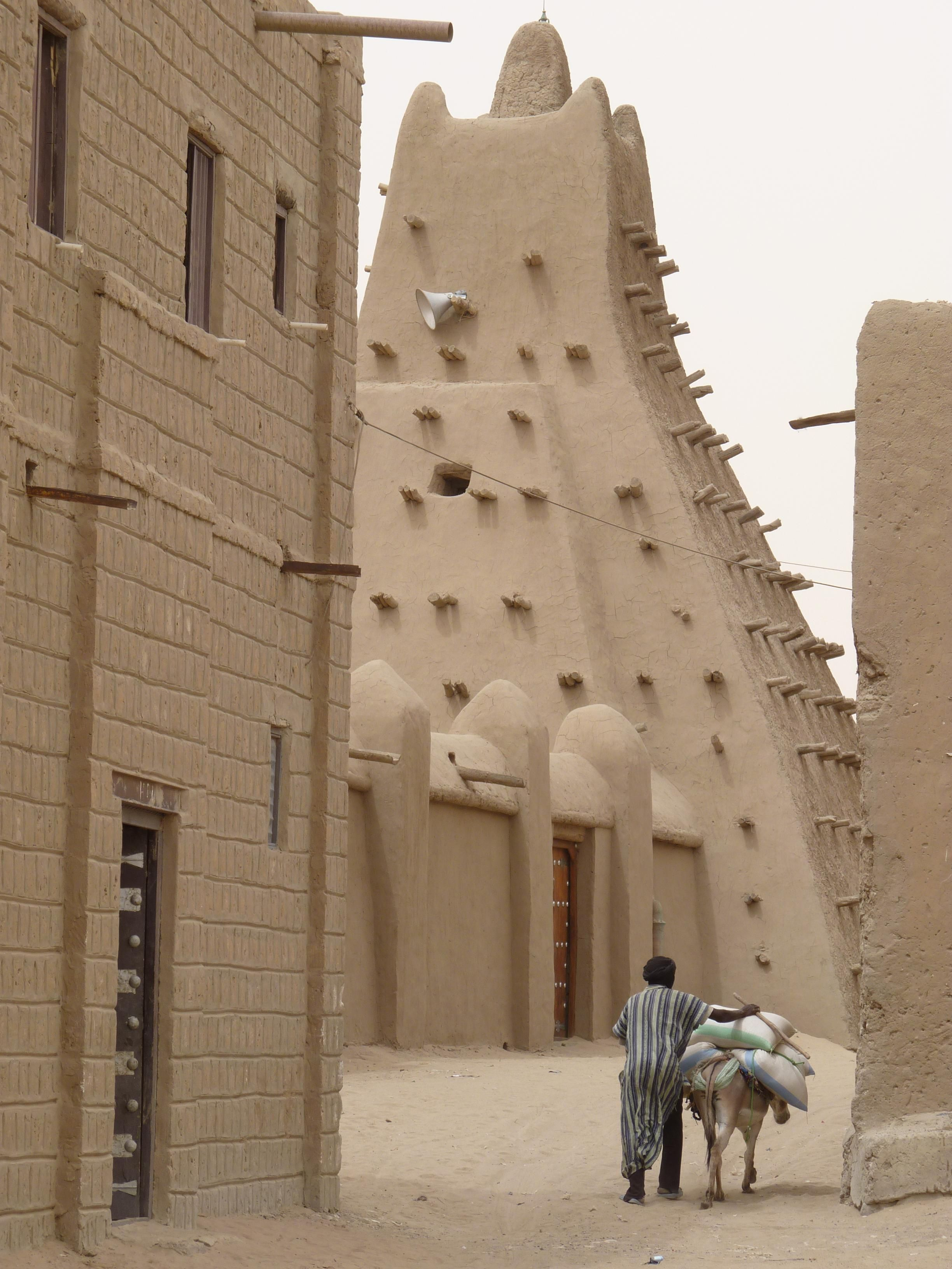 Timbuktu Alley Mali Travel Ttot Nature Photo Vacation Hotel Adventure Landscape Http Bit Ly 2utenp6 Travel Travel Inspiration Places To Travel