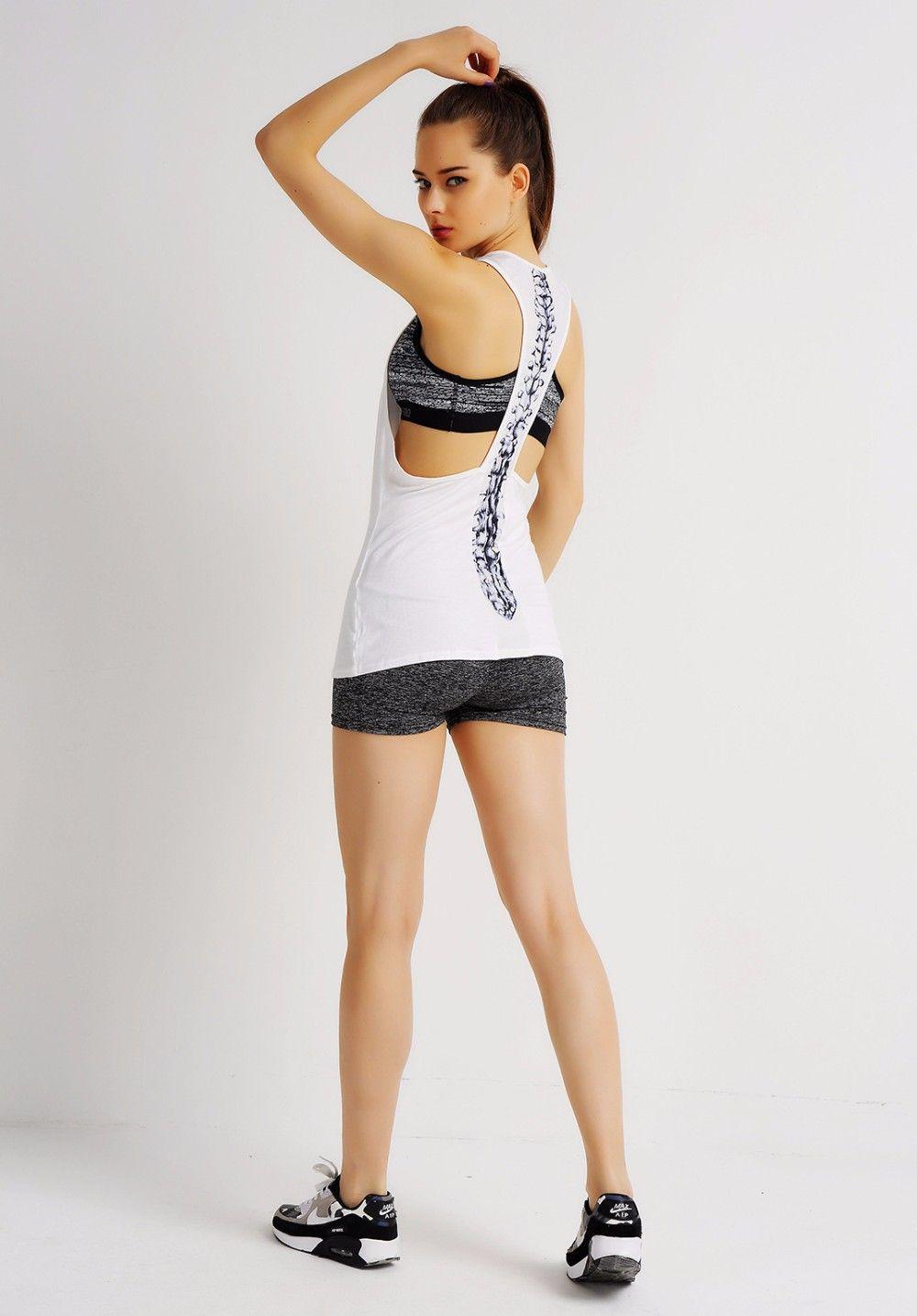 Ropa de Yoga para mujer Camisa de la Yoga Sexy Back Top Gimnasio Jogging  Running Top Mujer Ropa de Yoga Deportivo de Fitness Chaleco Femenino G 020  en de en ... a6519241ef26