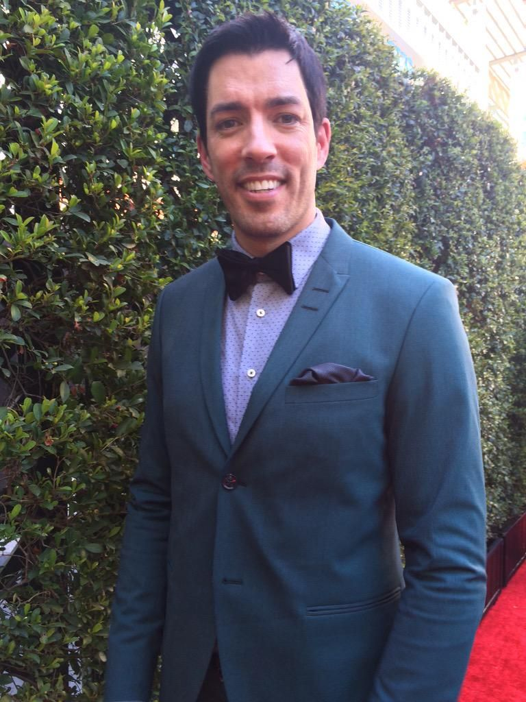 Great picks, everyone. As many of you have seen, I went with the teal suit for tonight's #Emmys! #ScottShopGiveaway