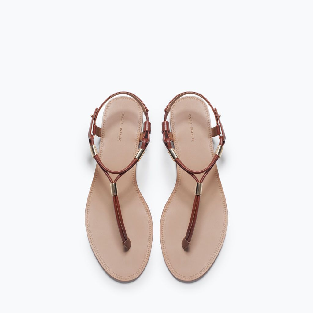 323f25f40 ZARA - COLLECTION AW15 - FLAT SANDALS WITH GOLD-TONE DETAIL Shoes Calçados,  Sandalia