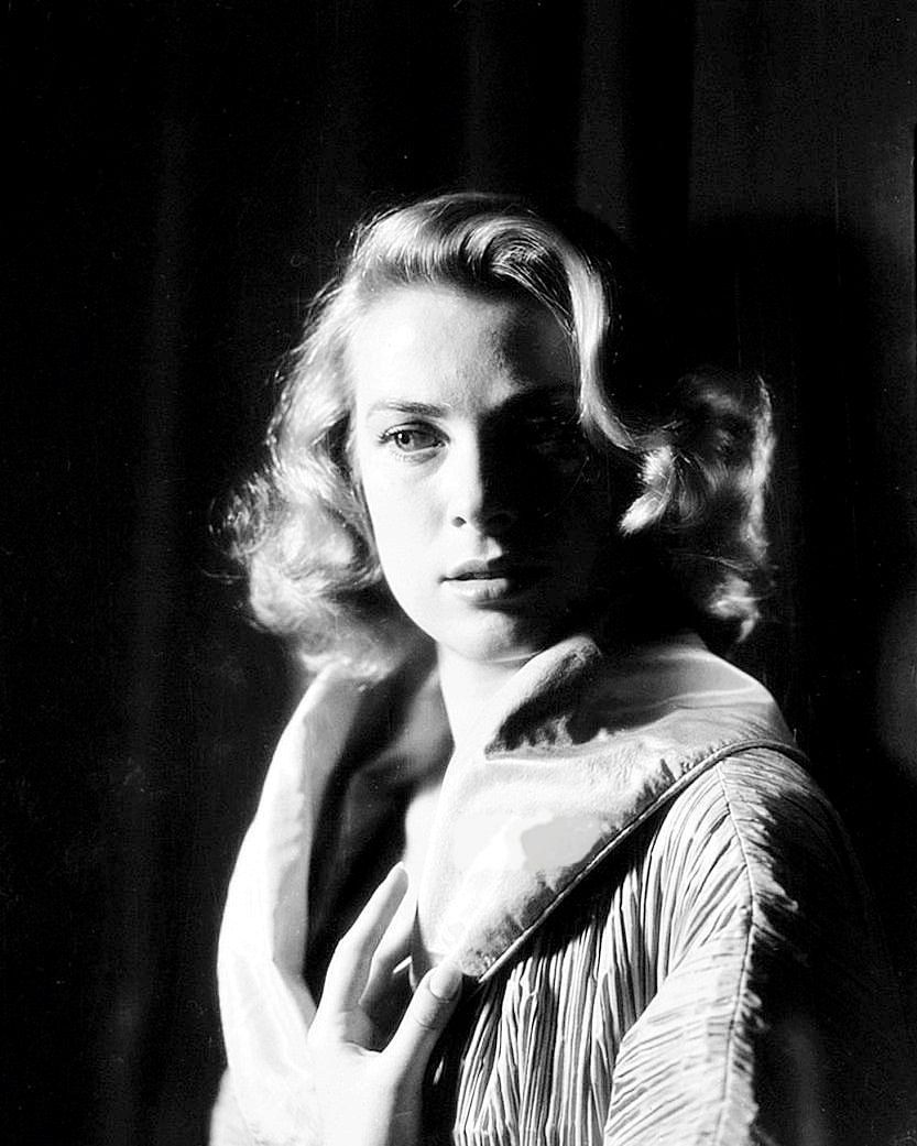 Grace Kelly, 1954 Photographic Print - AllPosters.ca
