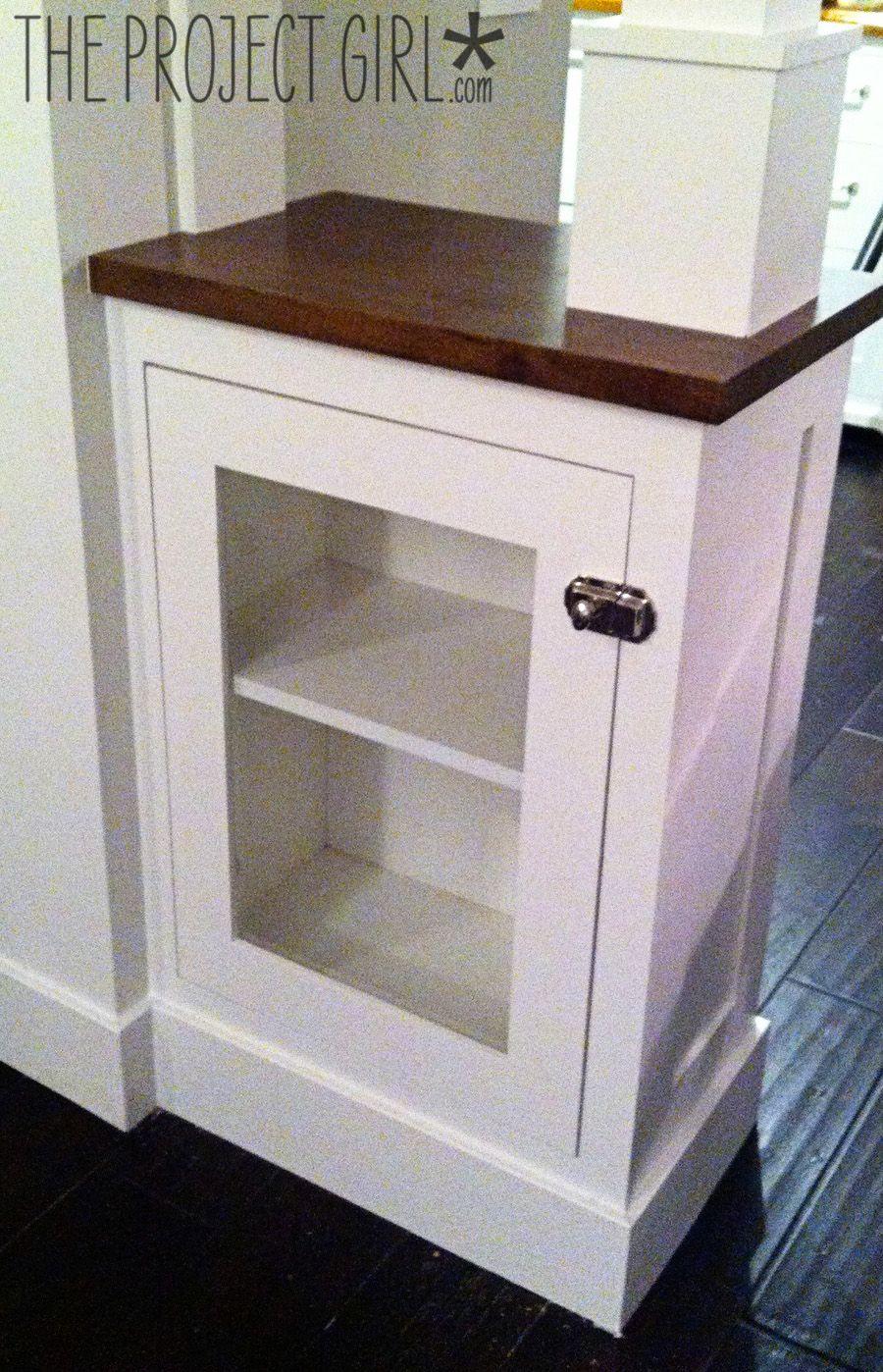 Craftsman style room divider columns added to diy living for Easy room divider