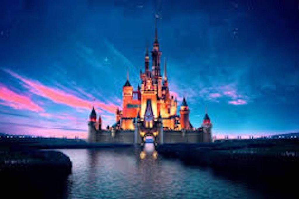 5 Disney Movies That Should Still Become Live Action Disney Desktop Wallpaper Laptop Wallpaper Desktop Wallpapers Macbook Wallpaper