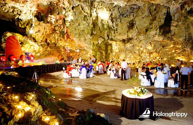 Hang Trong (Drum Cave) in Halong Bay http://halongtrippy.com/hang-trong-drum-cave