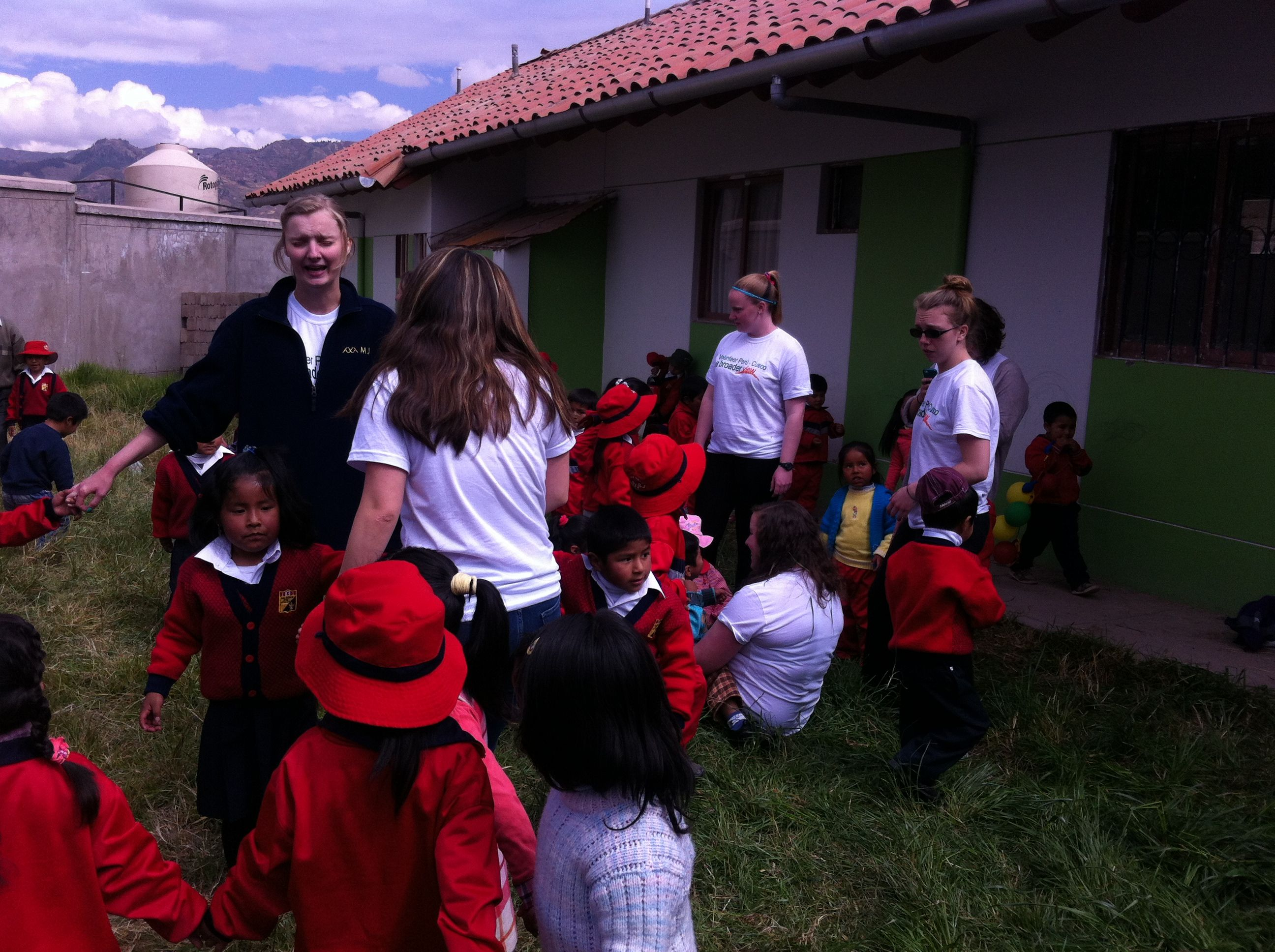 Volunteers in Peru Cusco II - Framingham State University Group. 9 Volunteers from the University State Framingham volunteered for 2 weeks (May to June) in Peru Cusco in the Children Welfare Program, they also had Spanish Lessons and a trip to Machu Picchu.