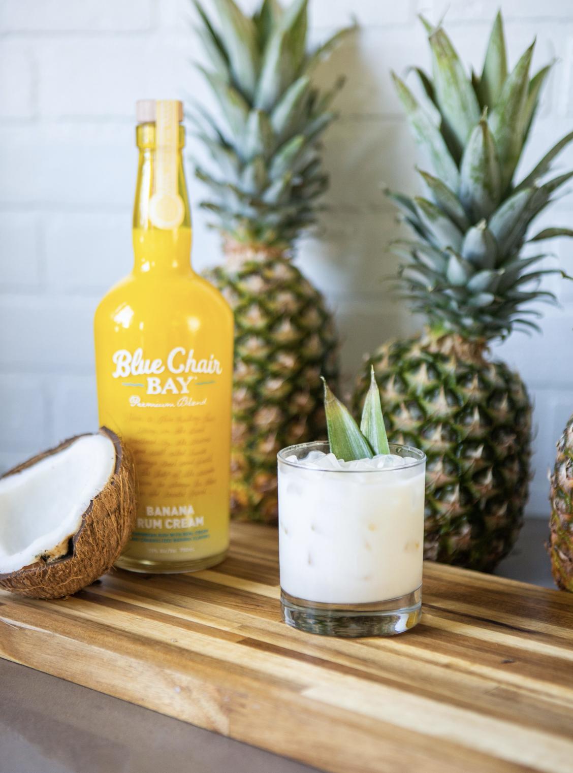 Skinny Riptide Cocktail Recipe (99 calories) in 2020 Rum