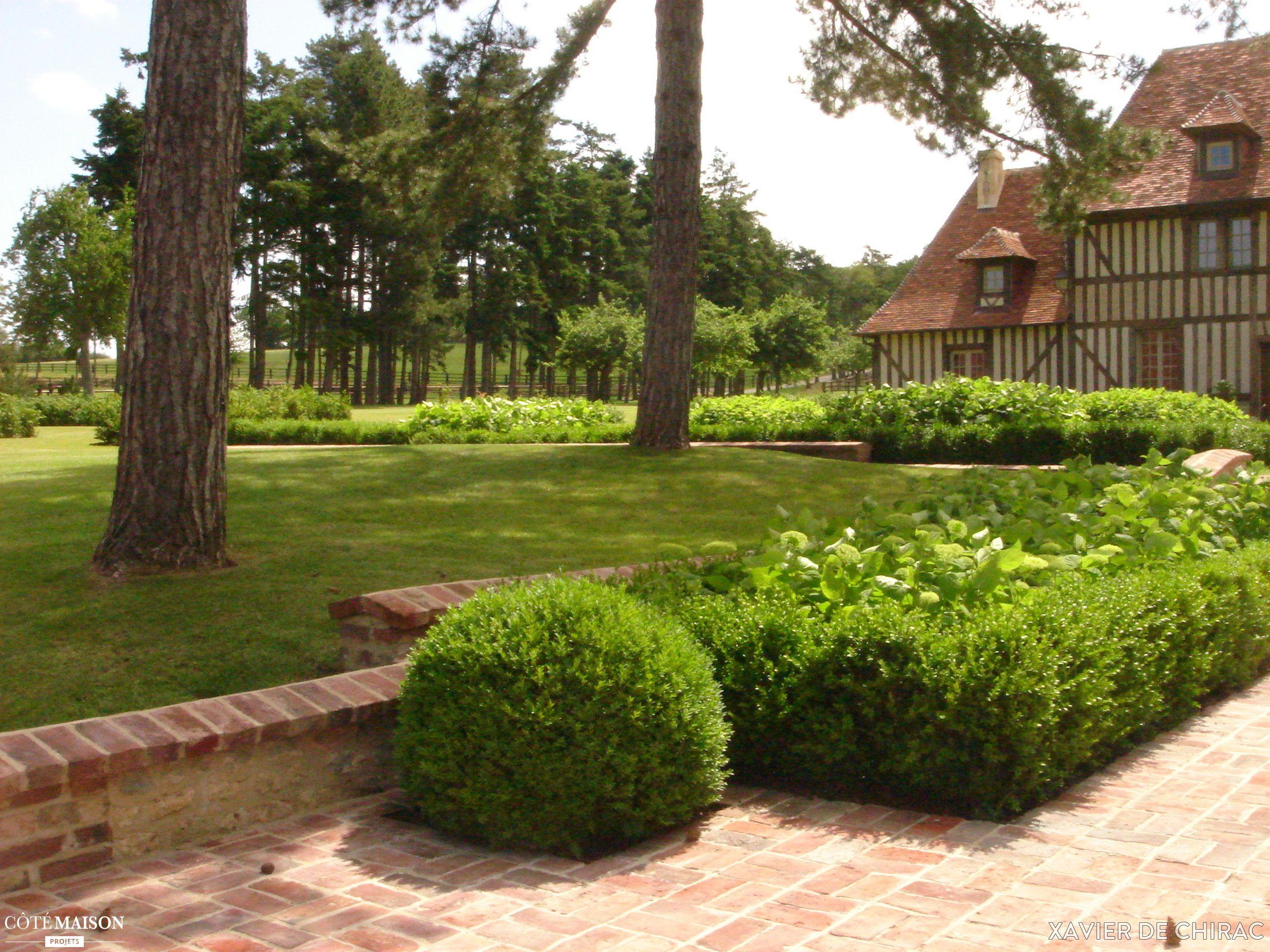 jardin normand dans le bocage des hortensias des buis des rhododendrons du charme et de. Black Bedroom Furniture Sets. Home Design Ideas