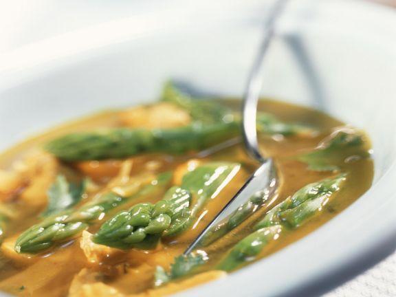 Spargelsuppe mit Ingwer und Huhn ist ein Rezept mit frischen Zutaten aus der Kategorie Gemüsesuppe. Probieren Sie dieses und weitere Rezepte von EAT SMARTER!