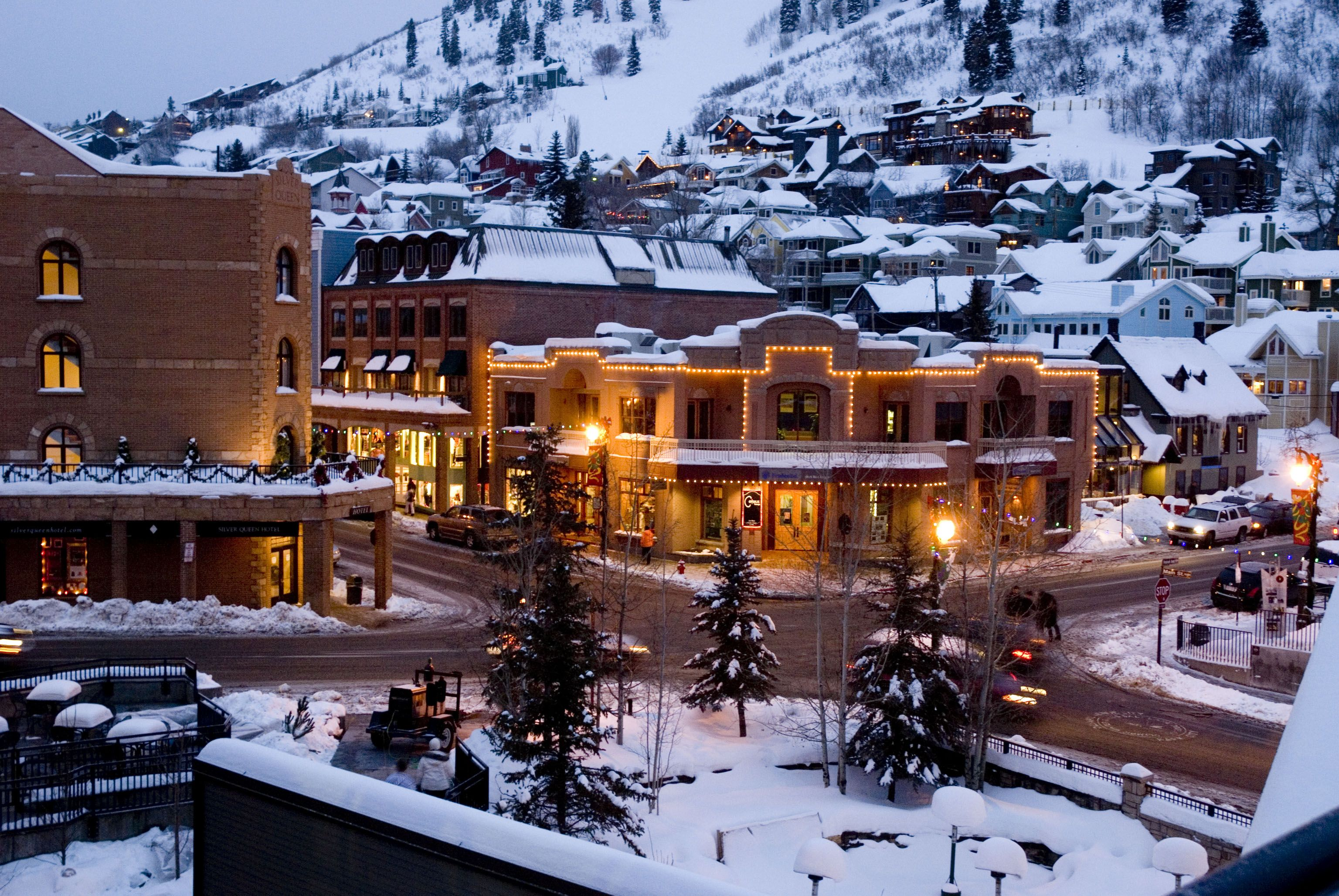 Top 10 Best Cities To Visit In Usa During Winter Time Ski Town