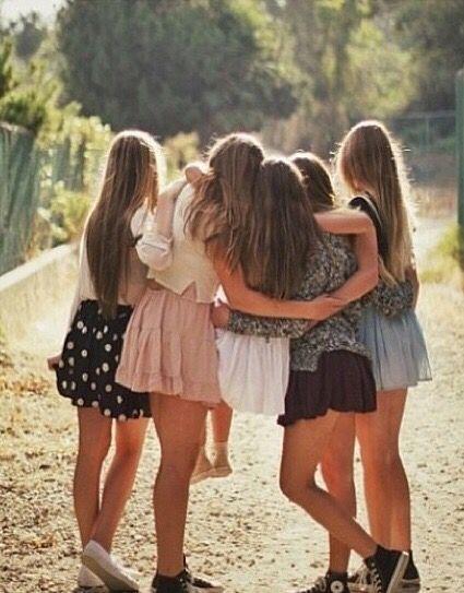 Image about girl in Best Friends by Gabriela Valiente